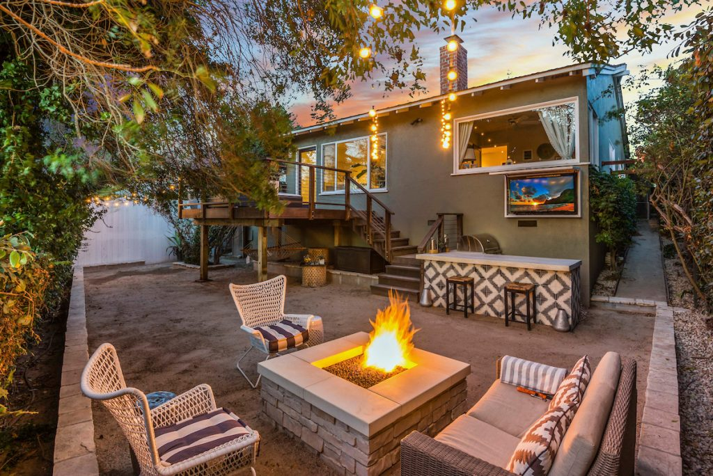 2-380 Gracia-Backyard Vibe